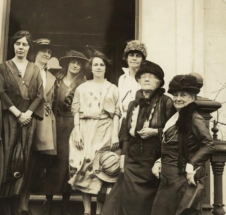 Conocer mujeres en astropay