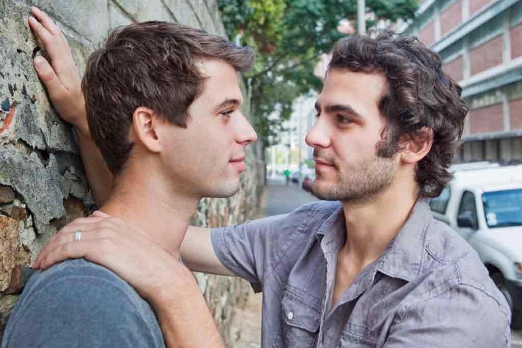 Como conocer hombres gay–50567